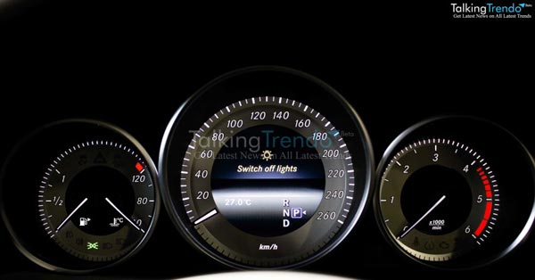 mercedes-E-class-speedometer