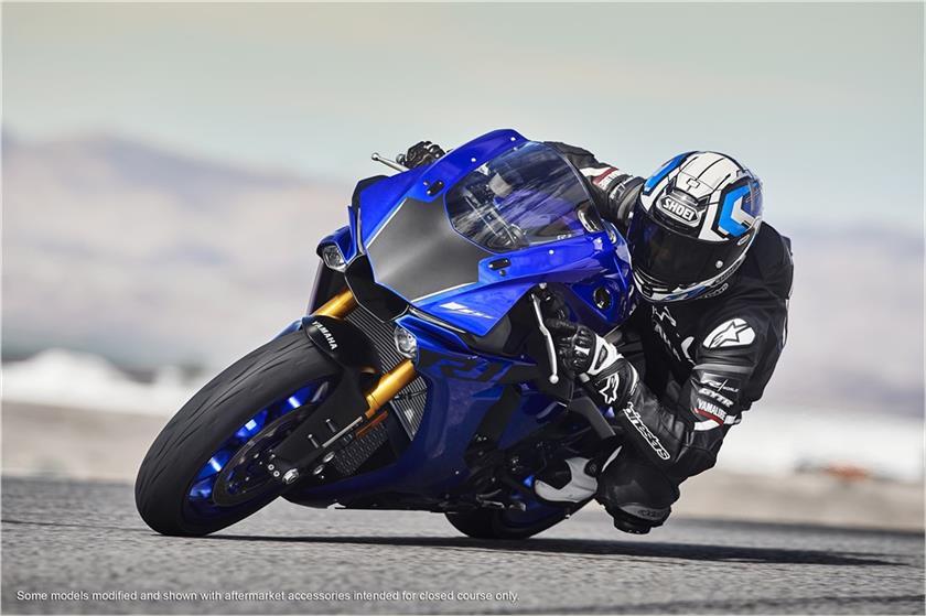 2018-Yamaha-R1_3