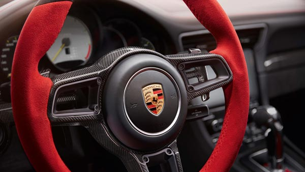 porsche-911-gt2-rs-steering-wheel