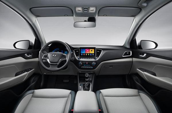 Hyundai-Verna-facelift-interior-design